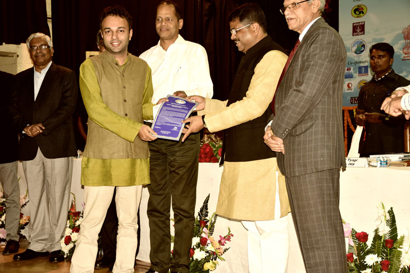 IMS Young Scientist Award in Tropical Meteorology to Dr. Roxy Mathew Koll, handed over by the Minister of Petroleum and Natural Gas, Dharmendra Pradhan